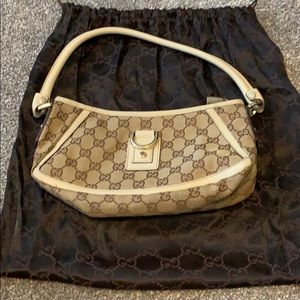 Gucci Abbey small shoulder bag